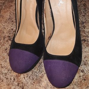 Nwot Purple Closed Toe & Black Qupid Stilettos